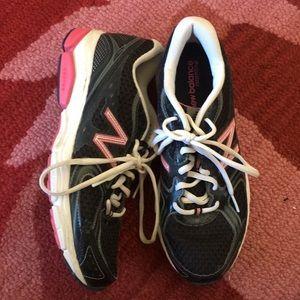 New Balance 8.5 Running Shoes